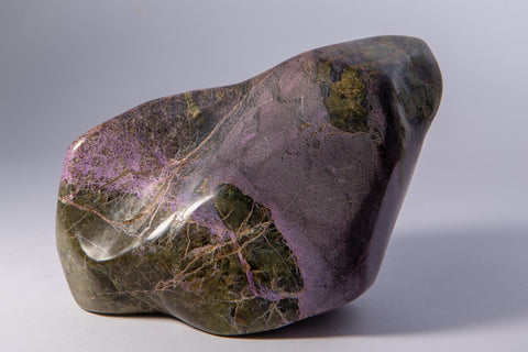 Stichtite and Serpentine Free Form