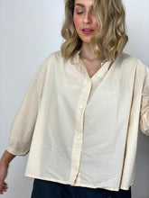 Load image into Gallery viewer, Sula Flora Blouse Tea