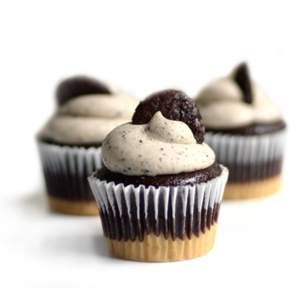 Cookies 'n Cream Cupcake Clamshell - 6 pack **GTA ONLY**