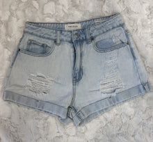 Load image into Gallery viewer, Pacsun Denim Shorts~ size 24