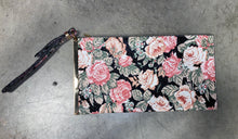 Load image into Gallery viewer, Floral Clutch