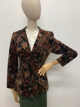 Load image into Gallery viewer, 1970s Autumn Leaf Print Velvet Jacket