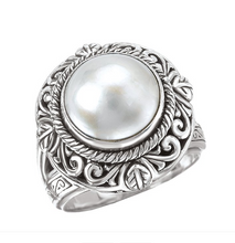 Load image into Gallery viewer, Ornate Ring in Sterling Silver with Mabe' Pearl Center