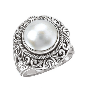 Ornate Ring in Sterling Silver with Mabe' Pearl Center
