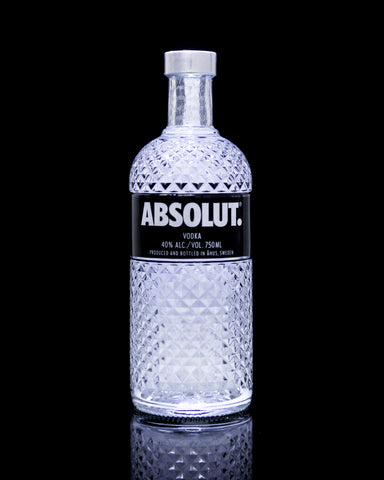Absolut Vodka in the illuminated Bottle, aka Glimmer V2 750 ml