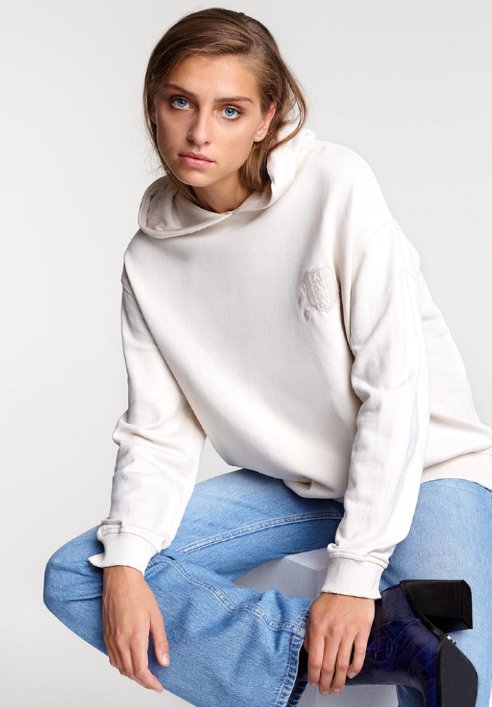 ALIX THE LABEL OVERSIZED HOODIE POWDER WHITE - Your Trends&Brands