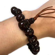 Load image into Gallery viewer, Bodhi Seed Wood Skull Bracelet - 京都あさひ屋-Kyoto Asahiya