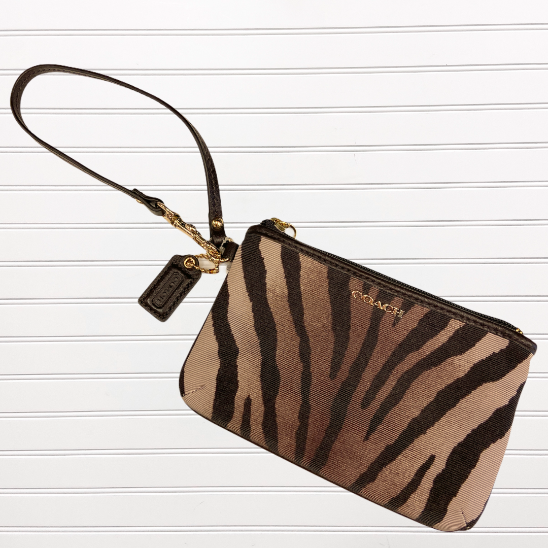 Primary Photo - BRAND: COACH <BR>STYLE: WRISTLET <BR>COLOR: ANIMAL PRINT <BR>SKU: 117-117120-22630
