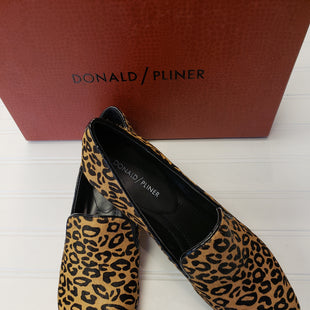 Primary Photo - BRAND: DONALD J PILNER STYLE: SHOES FLATS COLOR: ANIMAL PRINT SIZE: 9 SKU: 117-117136-13940WITH BOX