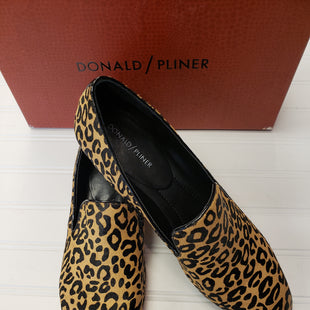 Primary Photo - BRAND: DONALD J PILNER STYLE: SHOES FLATS COLOR: ANIMAL PRINT SIZE: 10 SKU: 117-117136-13941