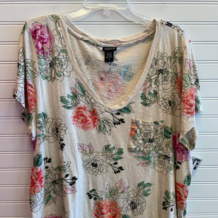 Primary Photo - BRAND: TORRID STYLE: TOP SHORT SLEEVE COLOR: CREAM SIZE: 3X SKU: 117-117136-12776R