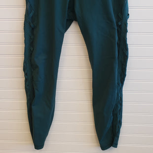 Primary Photo - BRAND: LULULEMON STYLE: ATHLETIC PANTS COLOR: GREEN SIZE: 10 SKU: 117-11711-185373