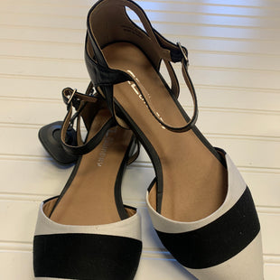 Primary Photo - BRAND: CHINESE LAUNDRY STYLE: SHOES FLATS COLOR: BLACK WHITE SIZE: 6.5 SKU: 117-117120-25067