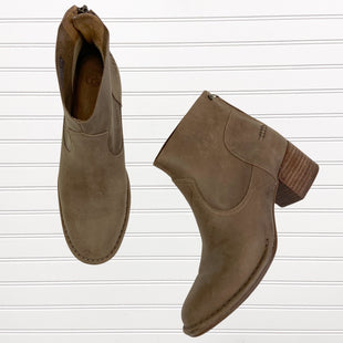 Primary Photo - BRAND: UGG STYLE: BOOTS ANKLE COLOR: TAN SIZE: 7.5 OTHER INFO: RETAIL $149.95 SKU: 117-117136-9706