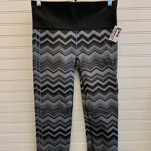 Primary Photo - BRAND: LULULEMON STYLE: ATHLETIC CAPRIS COLOR: MULTI SIZE: 6 SKU: 117-117136-12710
