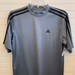 Primary Photo - BRAND: ADIDAS STYLE: ATHLETIC TOP SHORT SLEEVE COLOR: GREY SIZE: S SKU: 117-117103-54636R