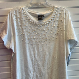 Primary Photo - BRAND: DAISY FUENTES STYLE: TOP SHORT SLEEVE COLOR: WHITE SIZE: 3X SKU: 117-117120-25279
