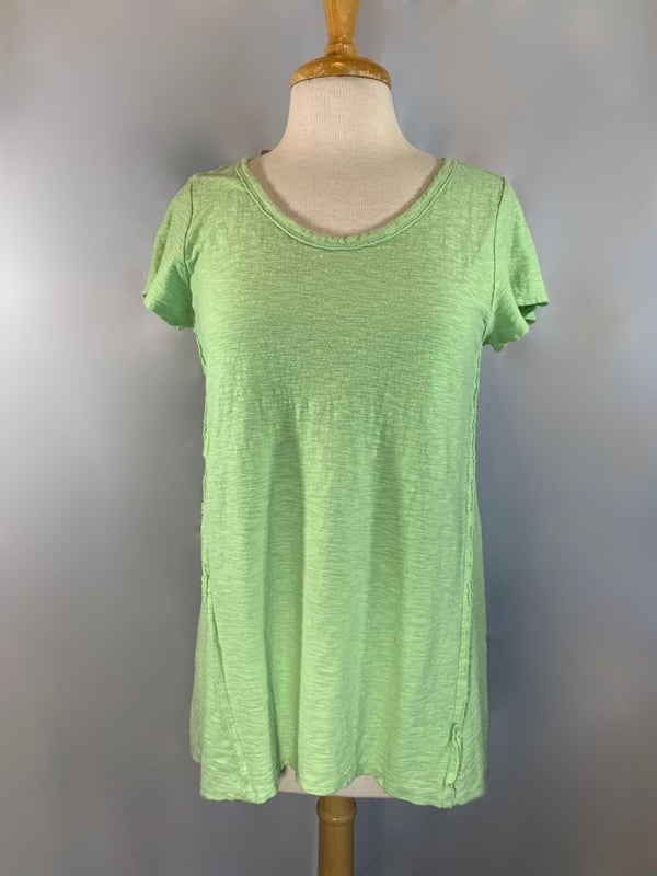 A fan favorite fabric! Pre-shrunk cotton blended with linen is summers best friend. Weighty yet breathable, this high/low tunic length tee will stand the test of time.  Cut + dyed in San Francisco Machine wash 50% cotton 50% linen Scoop neckline short sleeves Flattering tunic length
