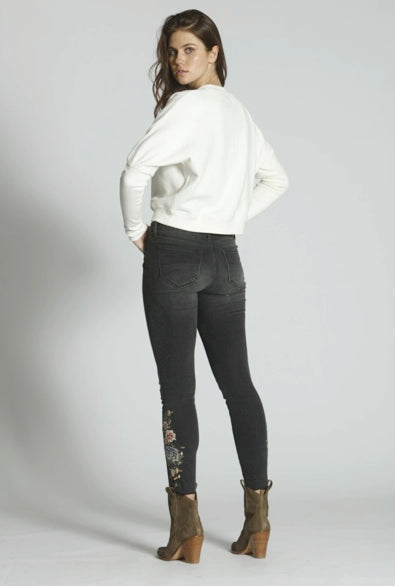 Black Skinny Jeans with Embroidery