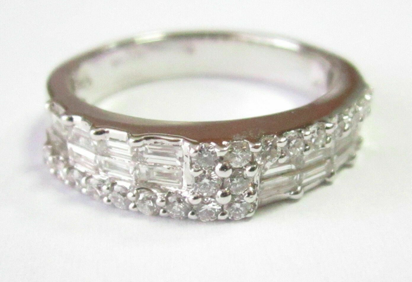 .90 TCW Natural Round & Baguette Diamonds Ring/Band Size 7 G VS2 18k White Gold