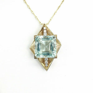 Vintage 14K Yellow Gold 30 Carats Aquamarine and Diamond Pendant 16.8 Grms 1970s