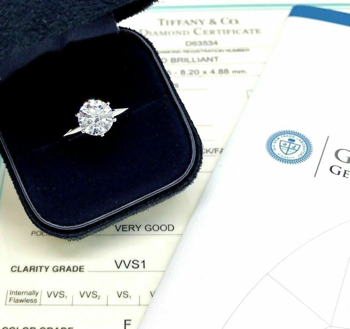 Tiffany & Co. 2.00 Carats F VVS1 Round Diamond Platinum Solitaire Ring w Cert