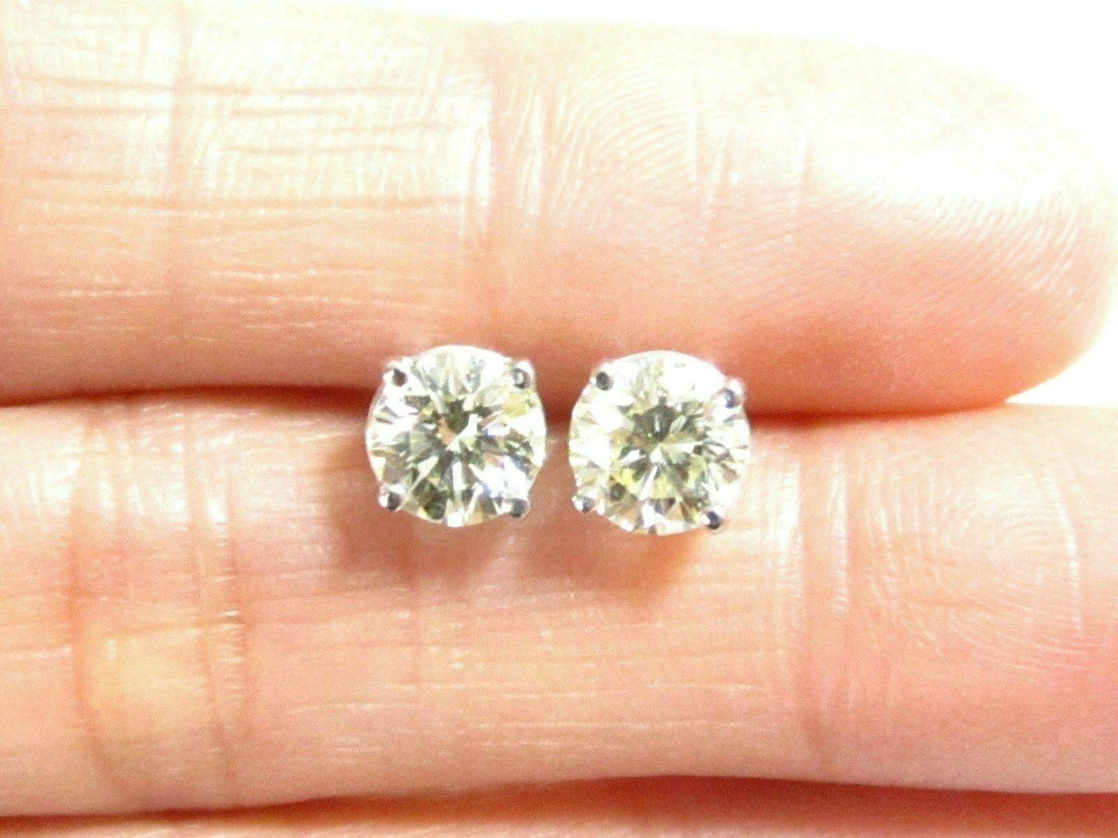 1.10 TCW Round Brilliant Cut Diamond Stud Earrings H I1 14k White Gold