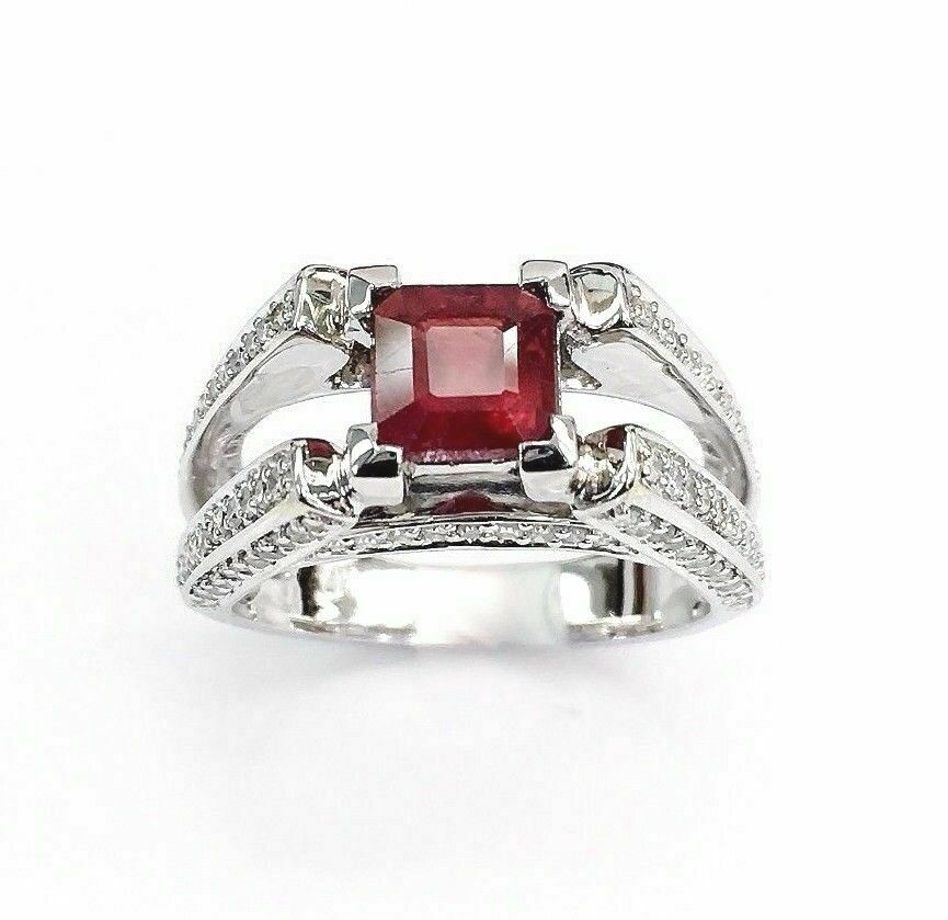 3.20 Carats t.w. Diamond and Ruby Ring Diamonds on all Sides 14K Gold Brand New