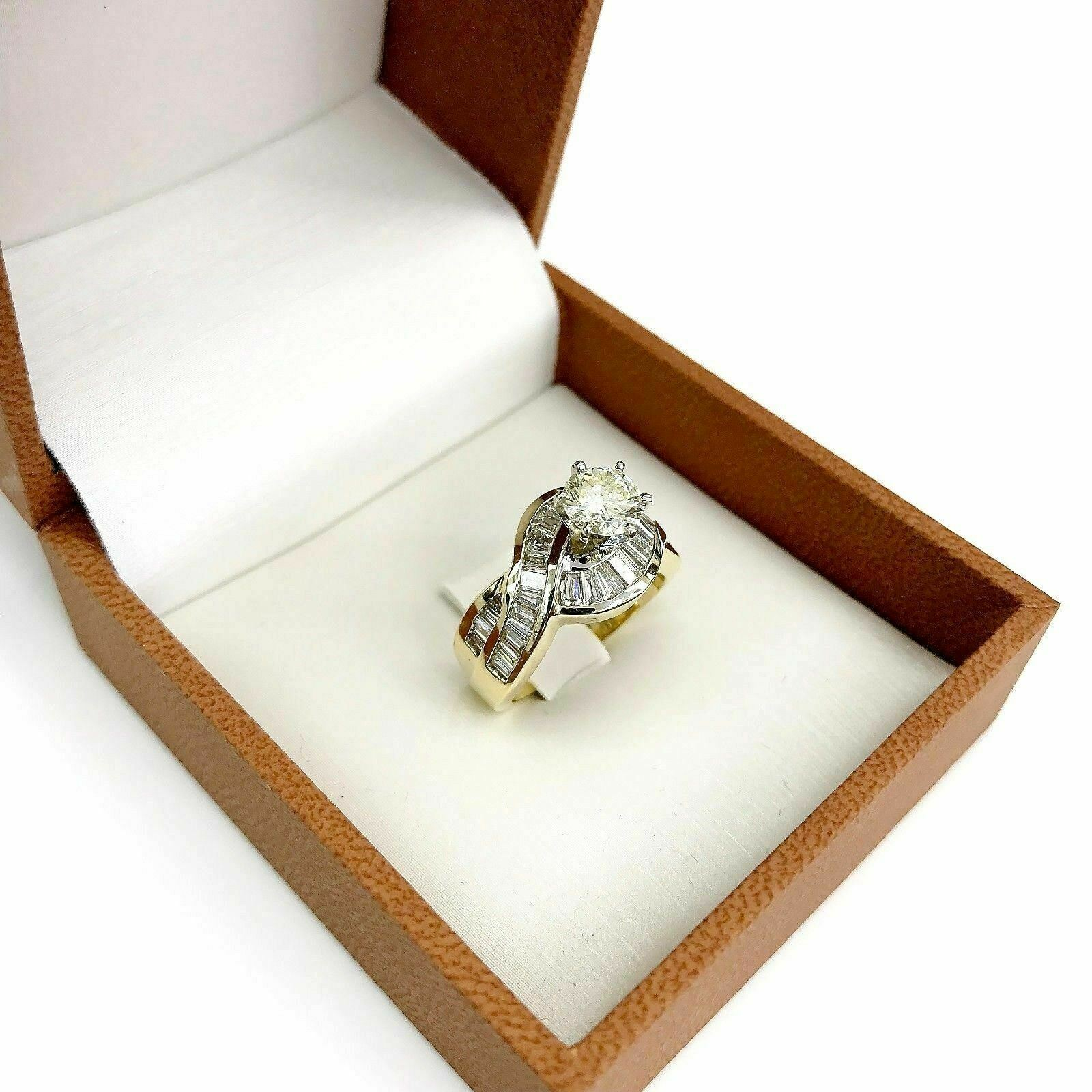 2.39 Carats t.w. Diamond Wedding/Engagement Ring 14K Gold 0.92 Carat Center