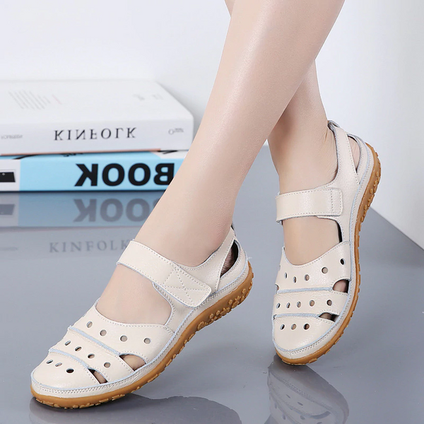 【Last 200 pairs】【Flash Sale💝 35% OFF⭐ Factory Outlet】Women's Hollow Hook Flat Sandals