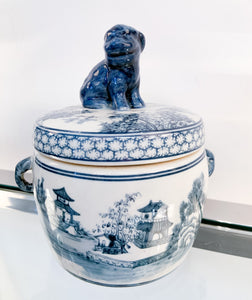 B&W Lion Tea Jar
