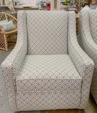 Load image into Gallery viewer, Delray Linen Swivel Chair