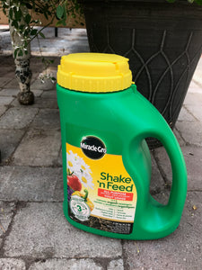 Miracle Grow Shake n' Feed Fertilizer