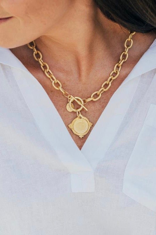 COIN INTAGLIO TOGGLE NECKLACE- GOLD