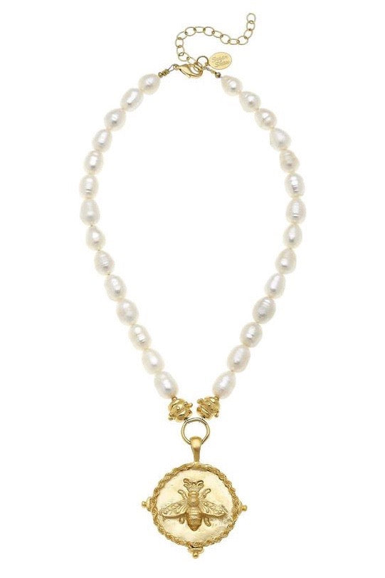 LG BEE INTAGLIO PEARL NECKLACE- GOLD