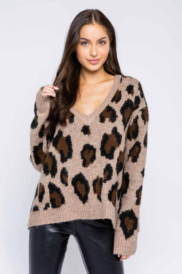 RELAXED VNECK LEOPARD SWEATER