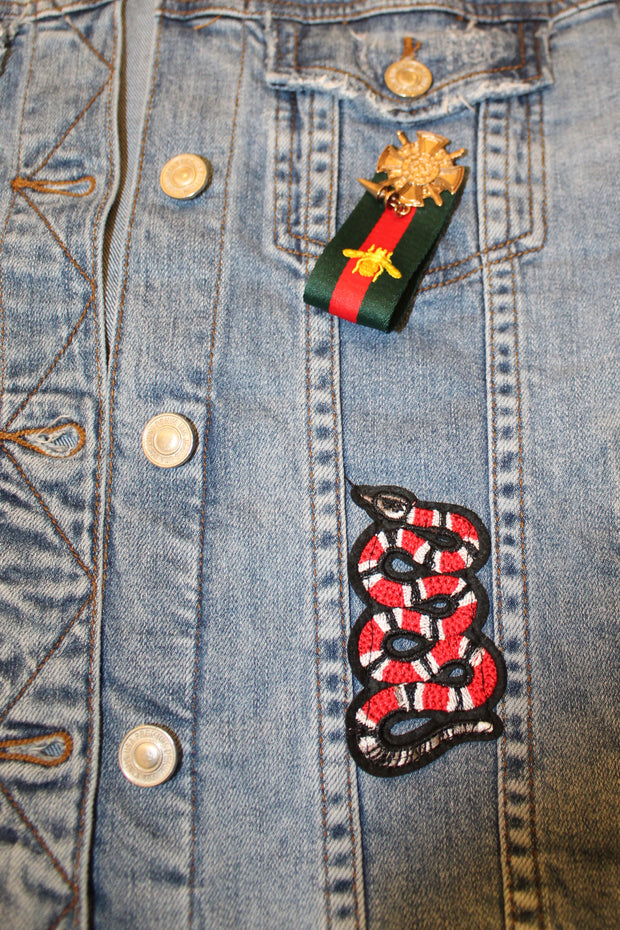 DENIM JACKET W/MULTI GUCCI PINS