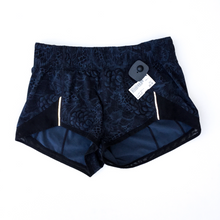 Load image into Gallery viewer, Lululemon Athletic Shorts Size 4