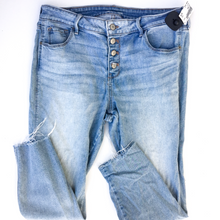 Load image into Gallery viewer, Old Navy Denim Size 14 (32)