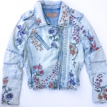 Load image into Gallery viewer, Blank Nyc Denim Jacket Size S (4 6)