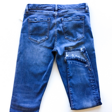 Load image into Gallery viewer, Chelsea & Violet Denim Size 6