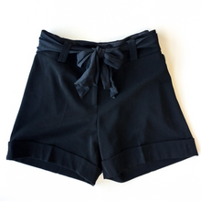 Load image into Gallery viewer, White House Black Market Shorts Size 6
