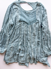 Load image into Gallery viewer, Free People Long Sleeve Size S (4 6)