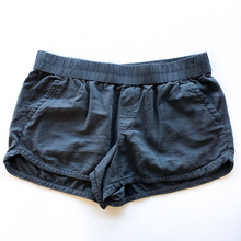 Load image into Gallery viewer, Maurices Shorts Size L