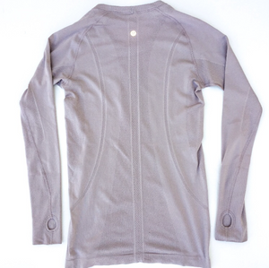 Lululemon Athletic Long Sleeve Size S (4 6)
