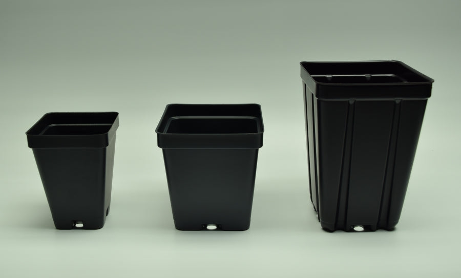 "Profile view of 2.5"" 3.25"" & 3.5"" Deep square black plastic pots."