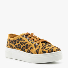 Load image into Gallery viewer, Lace Up Leopard Sneaker