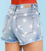 Load image into Gallery viewer, Judy Blue Star Print Shorts