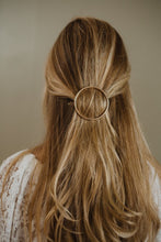"Load image into Gallery viewer, 2"" Gold Circle Hair Clip"