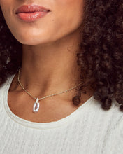 Load image into Gallery viewer, Camila Gold Pendant Necklace-Lustre Glass